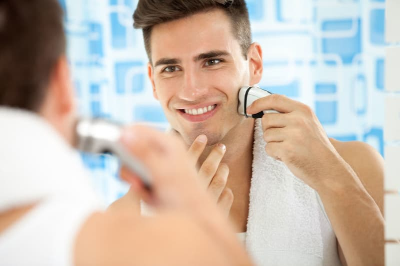 Best Electric Shavers 2019 for Men & Sensitive Skin